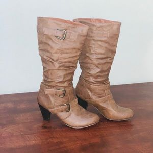 Slouchy strapped brown leather boots 🍂